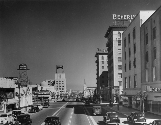 looking east to rodeo drive - 1937 by Marc WanamakerBison Archives
